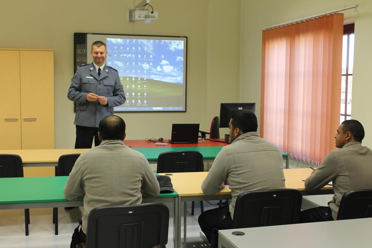 دورة عمليات والتخطيط شرطة النجدة